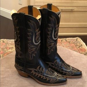 Gorgeous stitched women's Lucchese boots